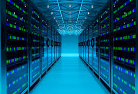 Maximizing and Sustaining the Peak Performance of Data Centers